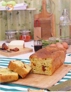 Pan brioche con salsiccia e asparagi