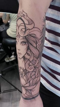 Line Work Tattoo, Line Tattoos, Flower Tattoos, Black Tattoos, Body Art Tattoos, Tattoo Arm, Black Work Tattoo, Armpit Tattoo, Black And Grey Sleeve