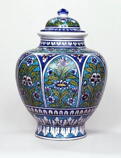 jar (Jar), ca. 1880 (made). Earthenware jar and cover, Jaipur, about Museum Number Vintage Pottery, Pottery Art, Blue Pottery Jaipur, Indian Ceramics, Art Chinois, Jar Art, Art Japonais, Art N Craft, Porcelain Ceramics
