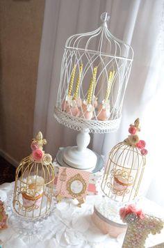 Haz que la celebración de bautizo de tu bebe sea un día perfecto con este tip para decorar. #bautizo #decoracion