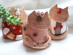 cute cats molded to bottle? Pottery Animals, Ceramic Animals, Clay Animals, Clay Projects For Kids, Kids Clay, Pottery Sculpture, Sculpture Clay, Ceramic Clay, Ceramic Pottery