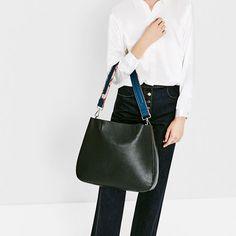 TOTE WITH PRINTED STRAP - Available in more colours
