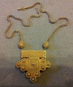 Senegalese necklace
