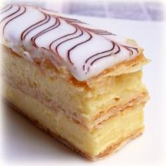The Australian Vanilla Slice (aka Napoleon in the USA) an enigma reviewed by custard crazy perfectionists on this delicious blog