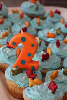 One Fish, Two Fish, Red Fish, Blue Fish Cupcakes (Dr. Seuss' b-day) Water Birthday, Twin Birthday Parties, Boy Birthday, Birthday Ideas, Kid Parties, Fish Cupcakes, Birthday Cupcakes, Birthday Decorations, Just In Case