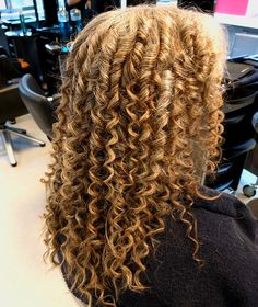 Flower Girl Hairstyles, Permed Hairstyles, New Perm, Flat Iron Curls, Spiral Curls, Tight Curls, Pin Curls, How To Curl Your Hair, Rollers