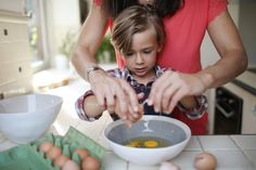 It's never too soon to start learning how to cook. These recipes make it easy for you to teach kids of all ages and skill levels. Cooking Classes For Kids, Cooking With Kids, Brownie Mix Cookies, Cooking Photos, Dump Dinners, Little Chef, Cooking Together, Chocolate Treats, Learn To Cook