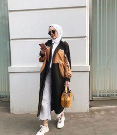 Ramadan,Hijab outfits for work,hijab outfit ideas,hijab outfits s Street Hijab Fashion, Muslim Fashion, Modest Fashion, Korean Fashion, Fashion Outfits, Hijab Casual, Hijab Chic, Ideas Hijab, Leggins Casual