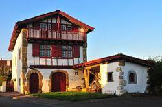 La maison Labourdine, l'âme basque © X. Lanusse - http://www.franceregion.fr/la-maison-labourdine-l-ame-basque-art387