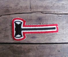 c. 1960s Boy Scouts double axe patch // Paul Bunyan Woodsman Award - Need this for Timbers sweatshirt #rctid