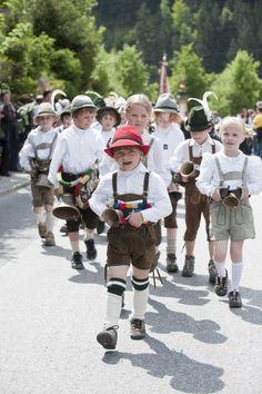 Gauder Fest 2011 - Trachtennachwuchs #Austria #Österreich #Tracht #Trachten #Dirndl