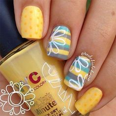 Cheat the difficult flower design system and give yourself a half flower. All you need is white and yellow nail polish. Photo - 30 easy floral nail art ideas perfect for spring Nail Art Designs, Flower Nail Designs, Nail Designs Spring, Nails Design, Tropical Nail Designs, Pedicure Designs, Salon Design, Yellow Nail Polish, Yellow Nails