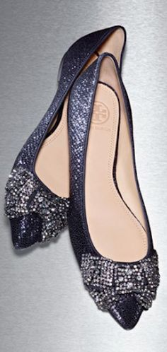 love these crystal pointy toe flats http://rstyle.me/n/rib85r9te