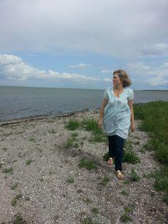 MollyRose'n'Honey: Blue Odd Molly by the sea