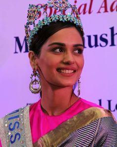Miss World 2017 Manushi Chhillar Most Beautiful Faces, Beautiful Saree, World Winner, Lace Dress Styles, Cool Face, Beauty Around The World, Miss World, Stylish Girl Images, Russian Fashion
