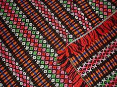 mantas alentejanas monsaraz (Portugal) Visit Portugal, Portugal Travel, The Day After Tomorrow, Monsaraz, Vintage Blanket, Shape Patterns, Traditional Outfits, Cool Art, Tapestry