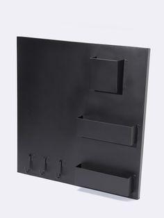 Mémo board magnétique ultra pratique au dessus d'un bureau, dans la cuisine ou dans l'entrée. Plus question d'oublier quoique ce soit ! DétailsCompart