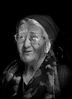 Wisdom in her face..... by Edmondo Senatore