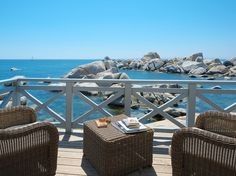 The perfume of the sea can be smelt from here, in your marine refuge, a magical place decorated with care and detail. Like a comforting shell your abode is ready to welcome you after a long day. Enter and take in every detail. From your shell you can hear the sea… #luxuryhotel #corsica #corse #islandofcavallo #luxurytravel