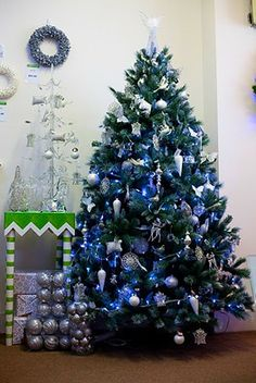 decoraciones de árboles de Navidad azul