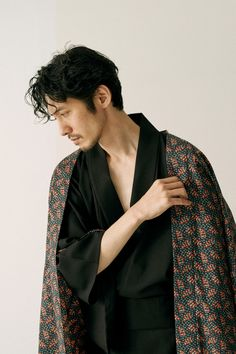 WAROBE 2019 SPRING | COLLECTION | TROVE OFFICIAL WEB SHOP Human Poses Reference, Pose Reference Photo, Beautiful Men, Beautiful People, Aesthetic People, Fashion Poses, Japanese Men, Man Photo, Spring Collection