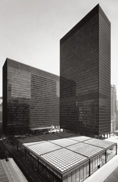 Chicago Federal Center – Mies van der Rohe