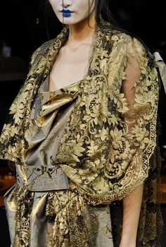 vivienne westwood, details...NOT ORDINARY FASHION
