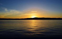 Pic of the Day...  Sunset on the Hudson by Sharon Gilmore  #hudsonvalley #hudsonriver #bedandbreakfast #nearnyc #ocny