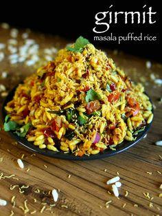 girmit recipe masala puffed rice north karnataka mandakki upkari is part of Indian food recipes - video popular street food recipe which is also known as churmuri Puri Recipes, Pakora Recipes, Chaat Recipe, Spicy Recipes, Cooking Recipes, Bhel Puri Recipe Video, Rice Puff Recipes, Egg Recipes, Mango Salat