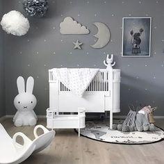 Perfect nursery #nursery #nurserydecor #nurserydreamcatcher #nurseryinspo #coolkids #babyroom #babyroomdecor #babyroomdesign #babyroomdesigner #coolcolours #bestnurseries #momlife #kidsdesigns #kidsfashion #kidsworld #interiors #interiorstyle #interiorsblogger #scandinavianhome #scandinavianstyle #scandinavianinterior #scandinaviandesign
