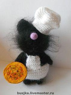 Зверята ручной работы. Ярмарка Мастеров - ручная работа Вязаный котик-поваренок Антонио. Handmade.