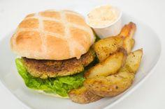 Vegan falafel burger  http://vegetarbloggen.com/2012/03/01/falafelburger/