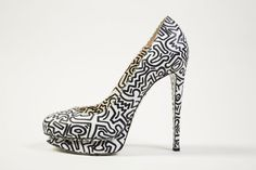 Nicholas Kirkwood x Keith Haring, automne 2012 Collection de Lynn Ban http://www.vogue.fr/mode/news-mode/diaporama/obsession-de-chaussures/12668/image/744040#!nicholas-kirkwood-x-keith-haring-automne-2012-collection-de-lynn-ban