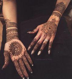Todays bridal henna for the lovely @nadialubnamakeup ♥♥ #weddingseason#bridalhenna#asianbride#pakistanstreetstyle#bride#bridal#arabicstyle#henna#mendhi#fusionhennabynissa#hennaartist#eid#eidhenna#hennainspire#hennalookbook#mendhiartist#londonhenna@zukreat@hudabeauty@lookamillion
