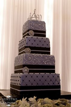Top 15 Wedding Cake Ideas Perwinkle With Black And White Bling