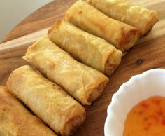 "Recipe Thai Spring Rolls ""Poh Pia"" by Thermomix, learn to make this recipe easily in your kitchen machine and discover other Thermomix recipes in Starters. Spring Roll Pastry, Thai Spring Rolls, Baked Spring Rolls, Bellini Recipe, Tapas, Savory Snacks, Appetisers, Empanadas, Light Recipes"