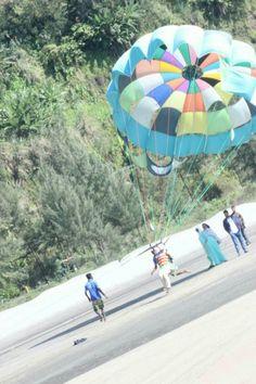 parasailing hang gliding