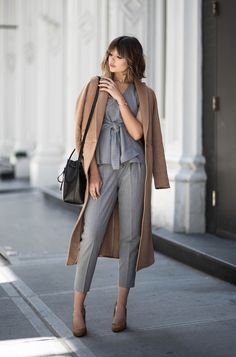 :♡ fashion group board: outfit ideas for women. Womens Fashion For Work, Work Fashion, Fashion Group, Fashion Women, Vogue, Coat Outfit, Style Personnel, Grey Shirt Dress, Langer Mantel