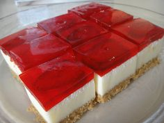 Does it look like cheese cake to you? But it's not cheese cake. It is marshmallow cake. I first had a taste of this cake from my hubby's fri. Jello Recipes, Cake Recipes, Dessert Recipes, Bulgarian Desserts, Ramadan Desserts, Mousse Au Chocolat Torte, Eclair Recipe, Marshmallow Cake, Jello Cake