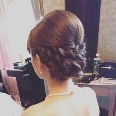 today's bride * クラシカルなダウンシニヨン。 * * #ウェディングドレス  #ブライダルヘアメイク #ルーチェ #ヘアメイク #結婚式準備  #2016冬婚  #2016秋婚  #プレ花嫁  #ヘアアレンジ #ウェディング #持ち込みヘアメイク #おしゃれ婚 Wedding Party Hair, Wedding Hair Pieces, Wedding Makeup, Hair Comb Wedding, Bridal Makeup, Bridal Hairdo, Bridal Hair Pins, Wedding Headband, Party Hairstyles