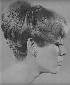 1960s Hair, Vintage Hairstyles, Haircuts, Memories, Hair Styles, Beauty, Beautiful, Women, Memoirs
