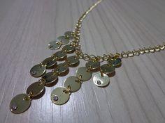 Colar delicado folheado a ouro com medalhas e strass #ilove #atelie #acessorios