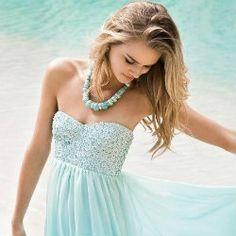 {Farewell, Summer}: Ocean Blues. Shades of Blue, Teal, Aqua, Mint + White! (photo via Brides)