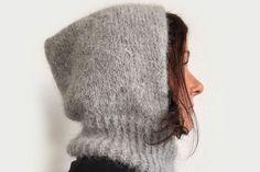 Strikkeoppskrift på myk og varm balaklava - MinMote.no - Norges største moteside I Cord, Balaclava, Tromso, Cowl, Knitted Hats, Knitwear, Knit Crochet, Style Me, Winter Hats