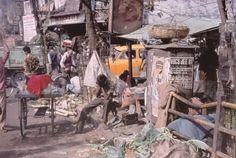 Harry Gruyaert, Near Five Point Crossing, Calcutta, 2001