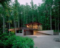 Surrounded by nature, Tree House in Rabun Gap, Georgia is a modern single bedroom on Airbnb with an entirely open floor plan.