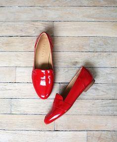 Sézane / Morgane Sézalory - Mayfair loafers - #sezane www.sezane.com/fr #frenchbrand #frenchstyle #redloafers