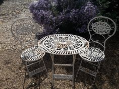 Very Pretty Vintage Ornate Cast Iron Bistro Set with unusual oval table top