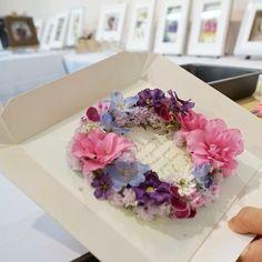 リースアレンジメント ピンクと紫グラデーションは愛情の色っぽい(oo) 素敵いろ #ナチュラル #薔薇 #紫 #ピンク #リース #レカンフラワー #押し花 #ドライフラワー #アトリエ由花  #グリーンルーム由花
