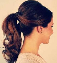Se você gosta de usar um rabo de cavalo, não deixe de conferir estas ideias bem legais :) #cabelo #penteados